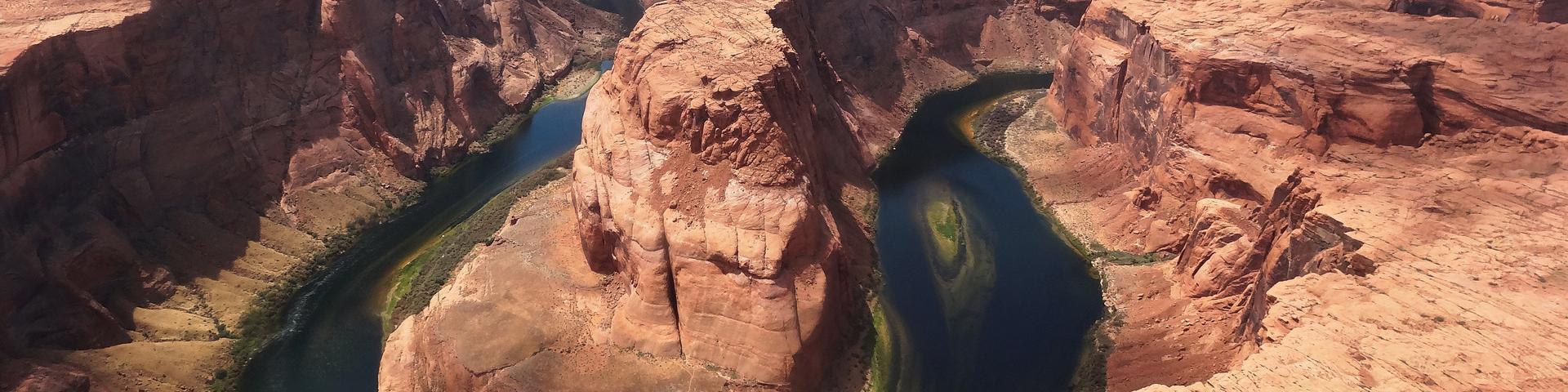 Survol en avion du lac Powell et de la Colorado River, Etats-Unis