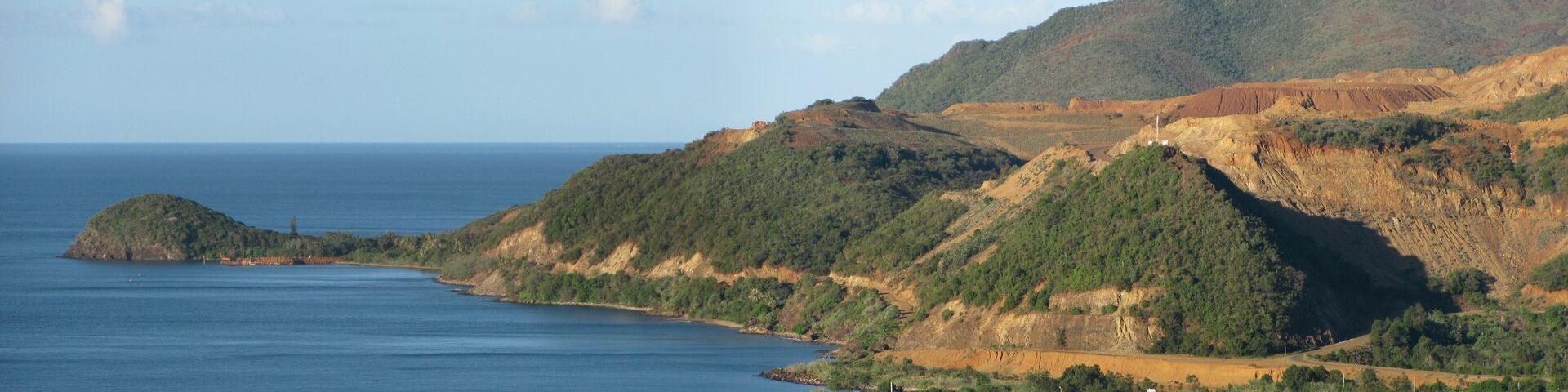Vue panoramique de la mine de nickel de Bonini, Nouvelle Calédonie