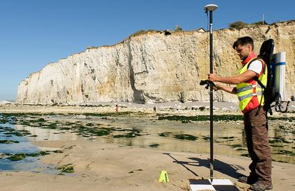 Near-centimetre location of targets for photogrammetry measurements using drones